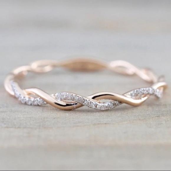 Jewelry - 18k Rose Gold Diamond Twist Halo Ring